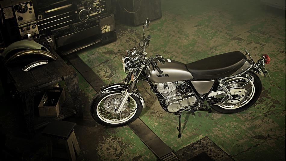 Нов Мотоциклет Ямаха SR400