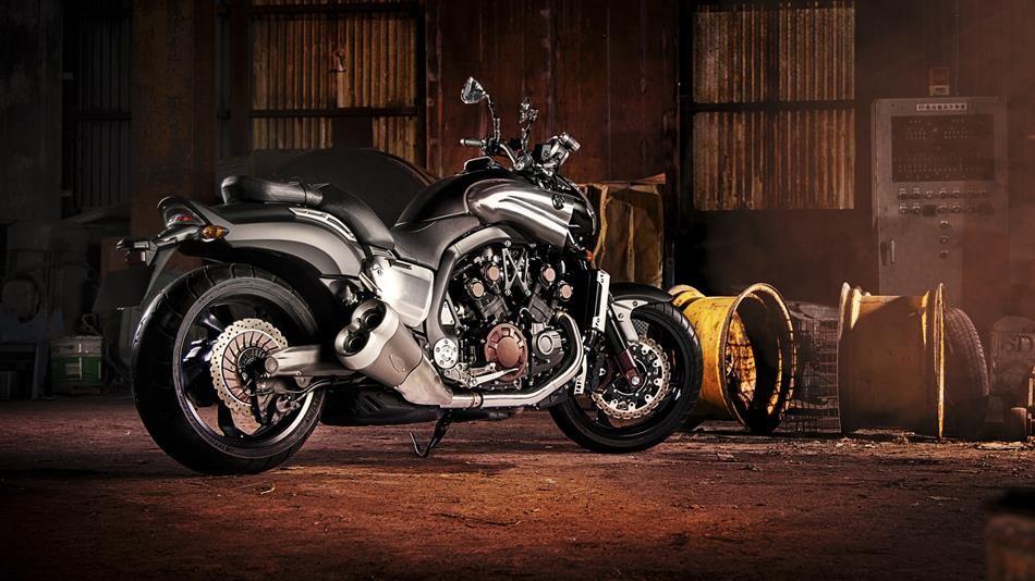 Нов Мотоциклет Ямаха VMAX 1600